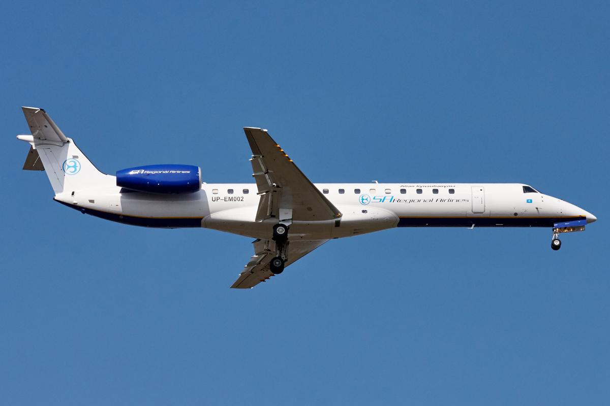 Embraer ERJ-145, UP-EM002