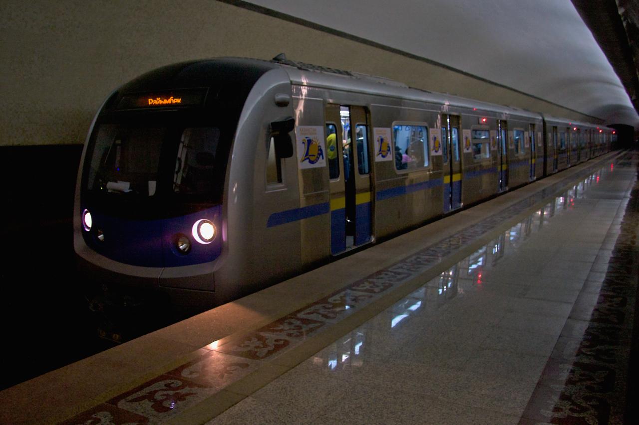 поезда hyundai rotem для алматинского метрополитена