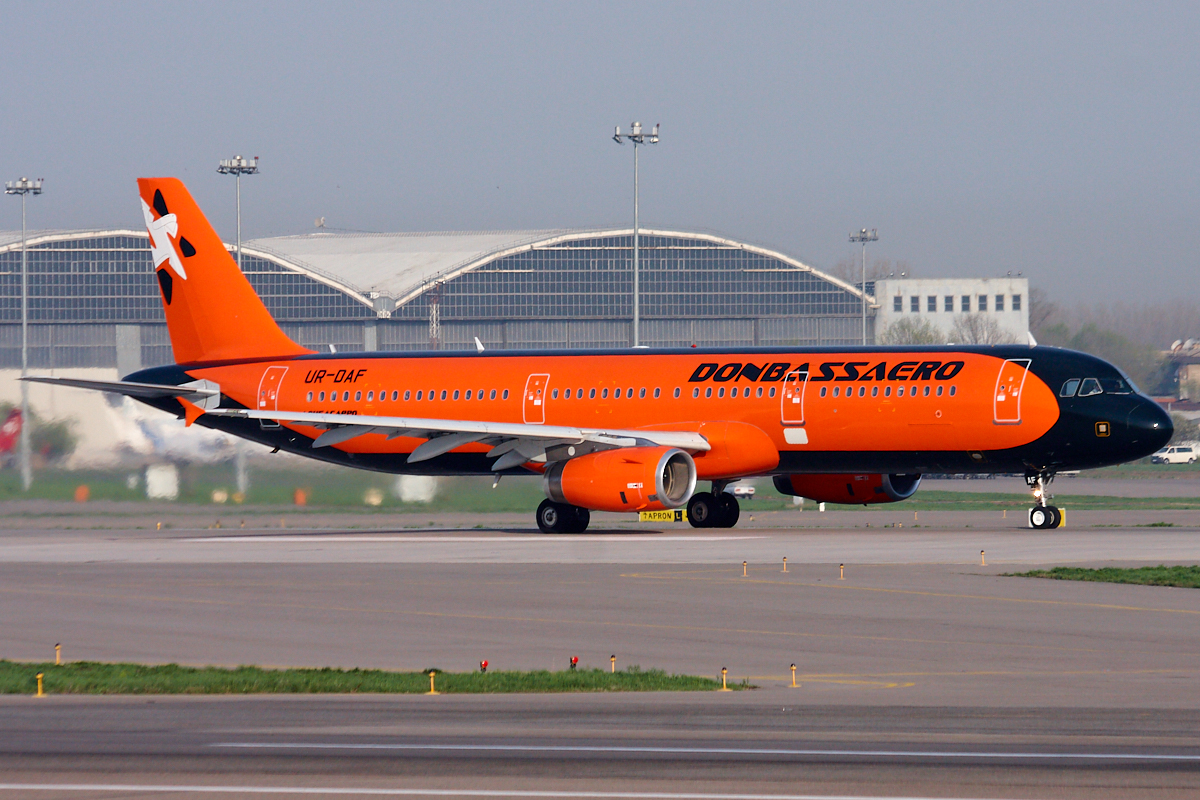 Airbus A321, UR-DAF
