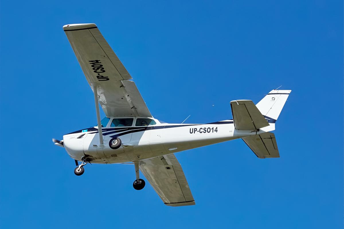 Cessna 172, UP-CS014