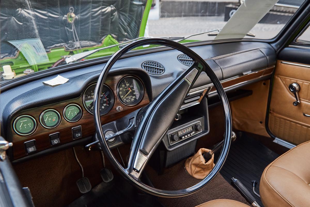 Villa Retro Car 2017, ВАЗ-2103 «Жигули»