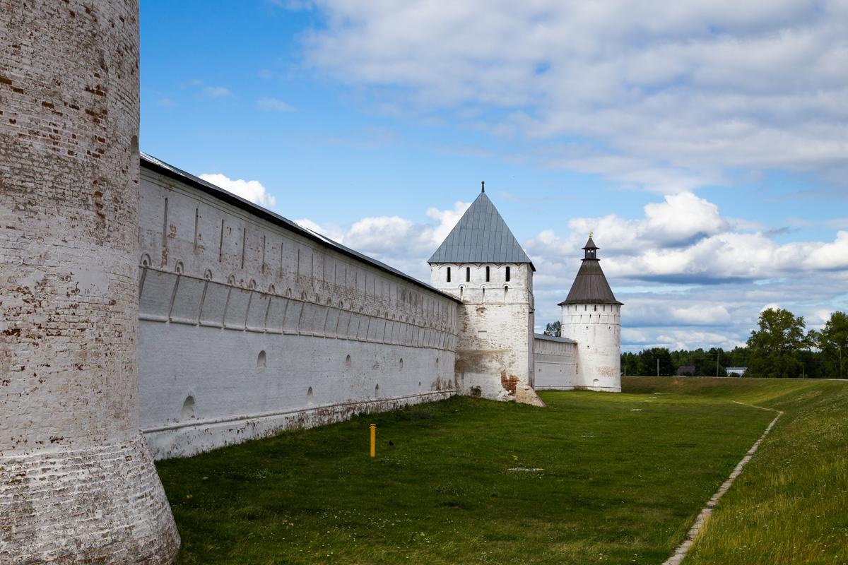 Желтоводский Макариев монастырь, Юго-восточная башня, Восточная башня