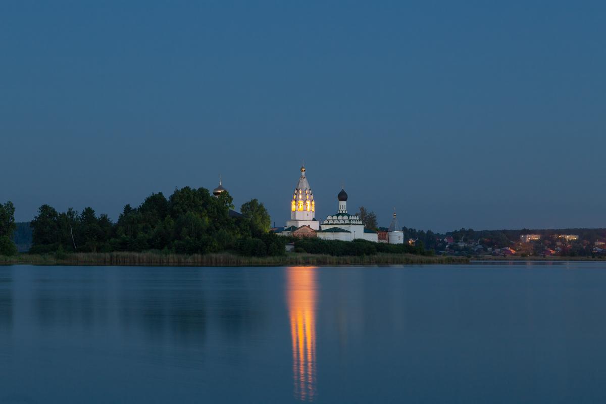 Свято-Троицкий Островоезерский монастырь, озеро Тосканка