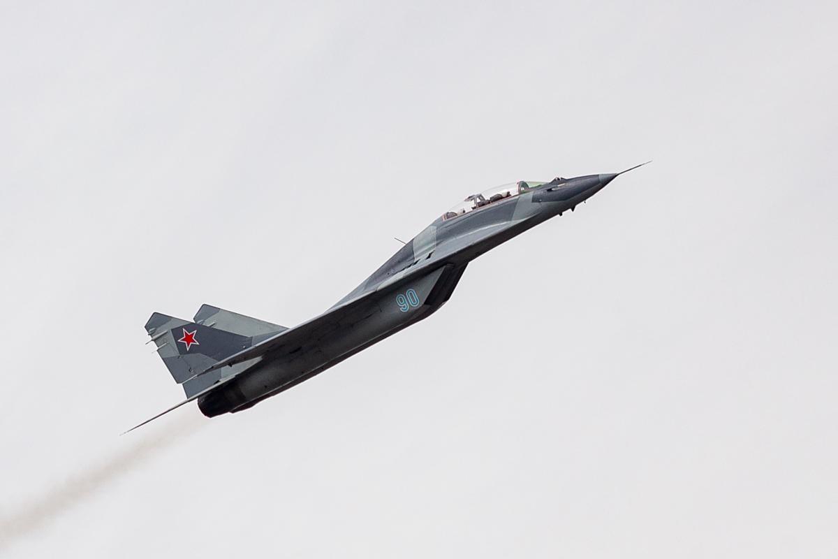 Mikoyan-Gurevich MiG-29, Миг-29, BLUE 90